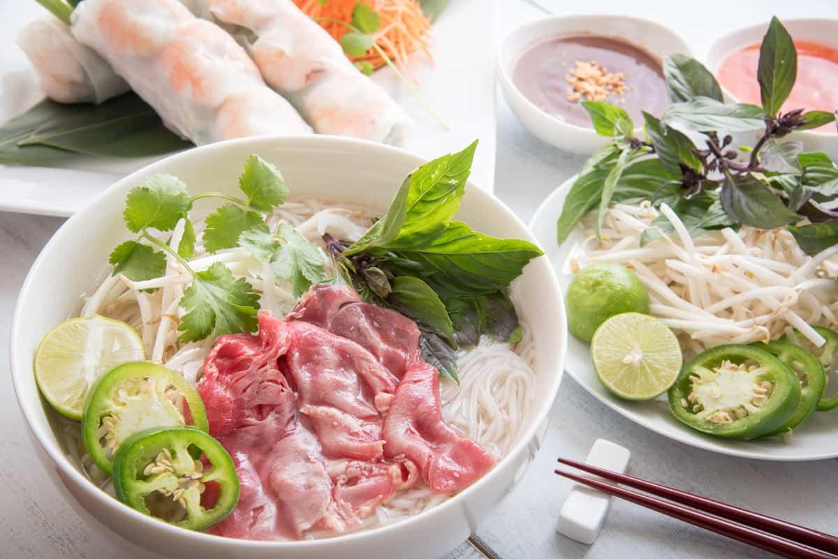 Vietnamese pho noodles versus Lao pho noodles