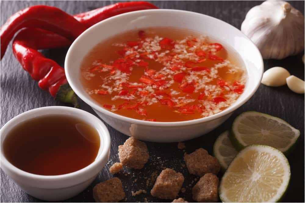 vietnamese egg roll nuoc mam dipping sauce
