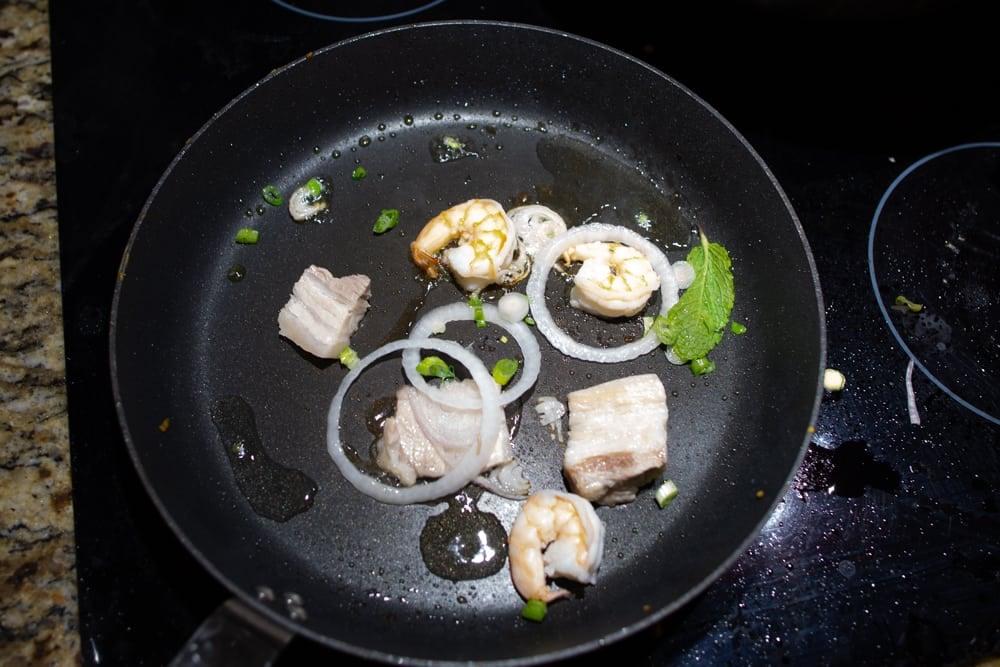 banh xeo recipe - vietnamese pancake crepe