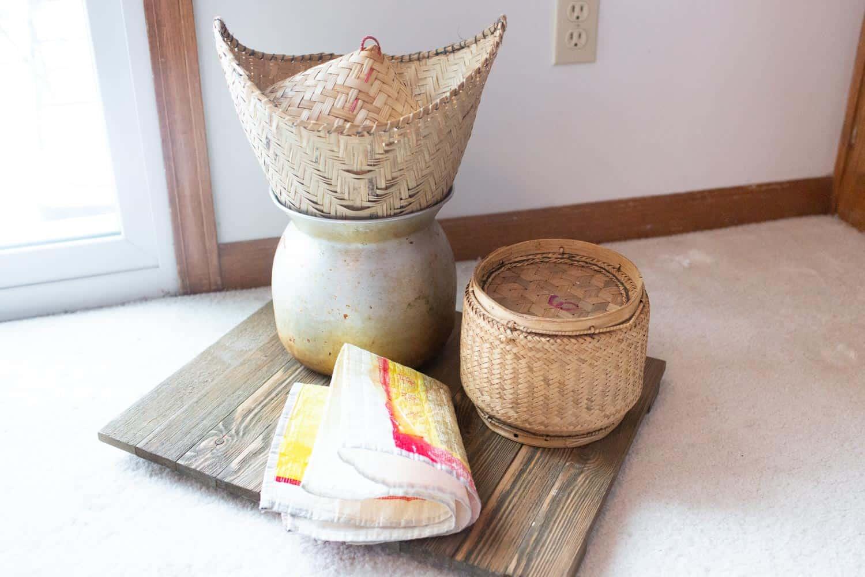 sticky rice pot and bamboo basket server 001