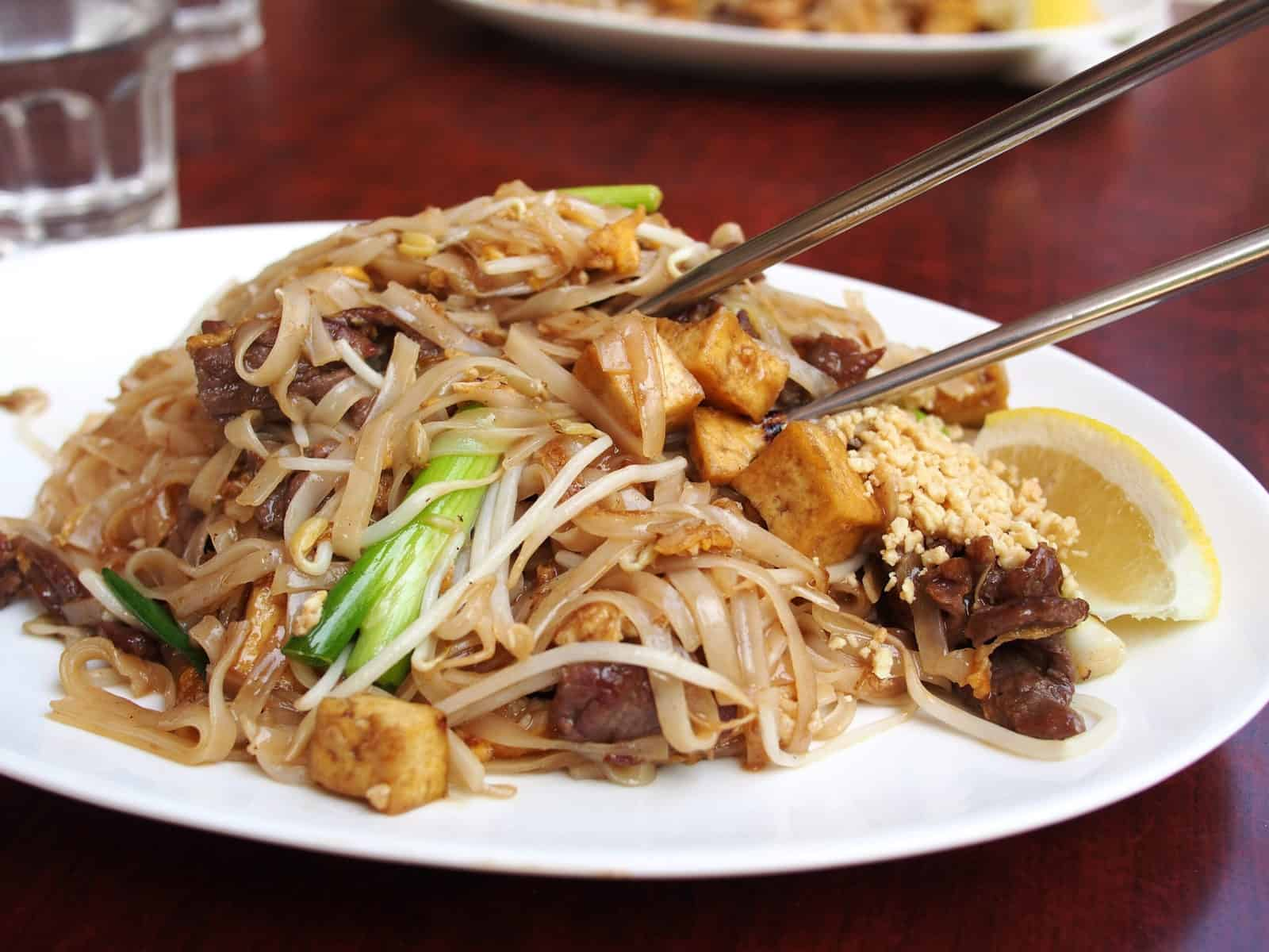 drunken noodles vs pad thai
