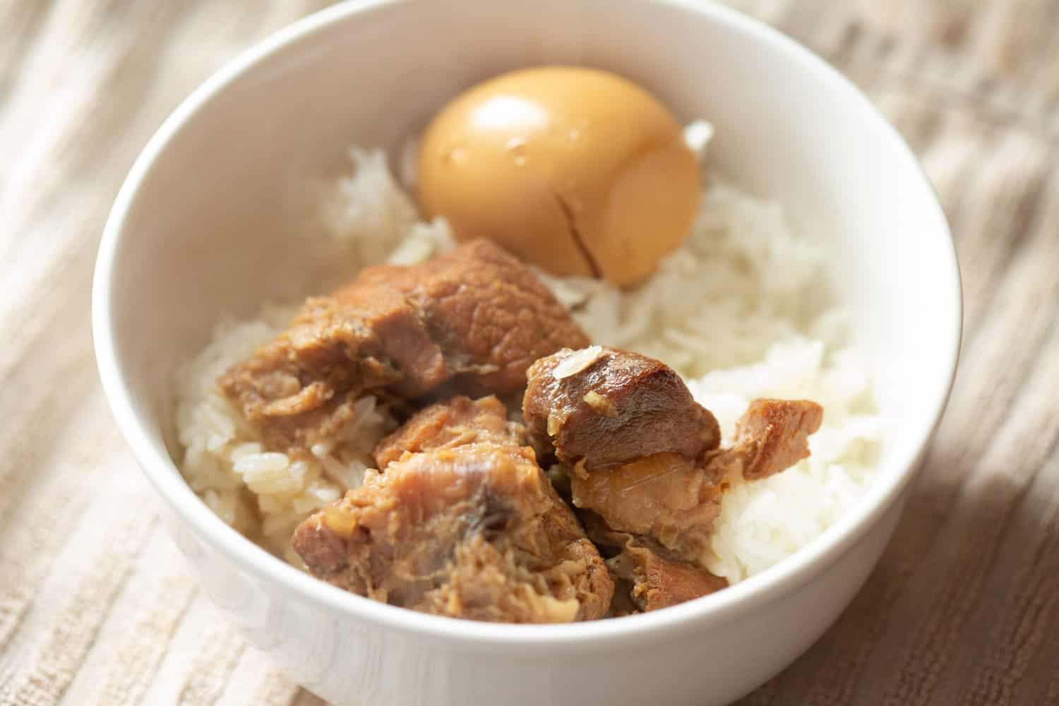 authentic vietnamese thit kho caramelized braised pork and eggs