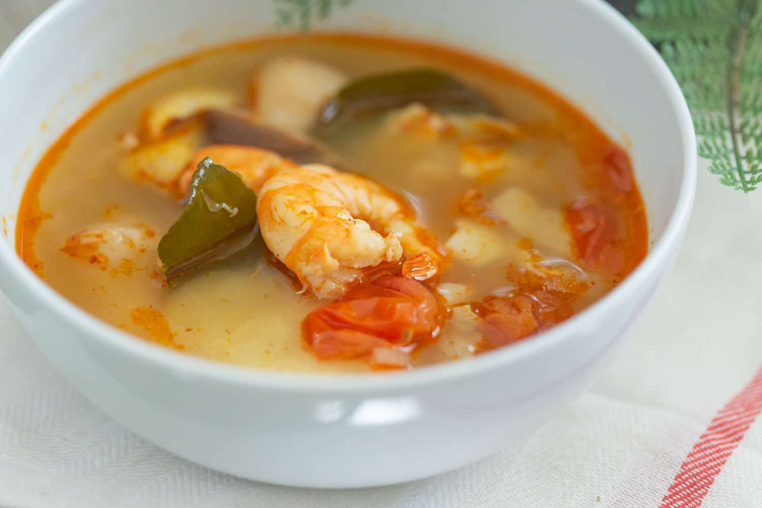how to make authentic tom yum soup