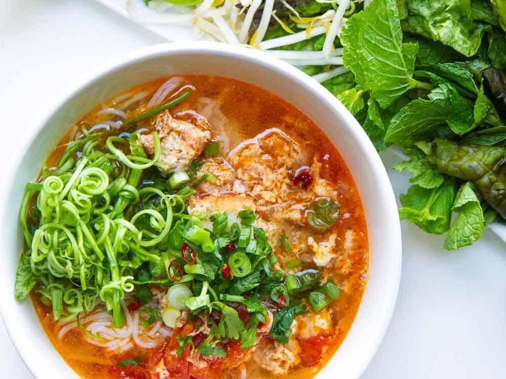 vietnamese pho vs bun rieu